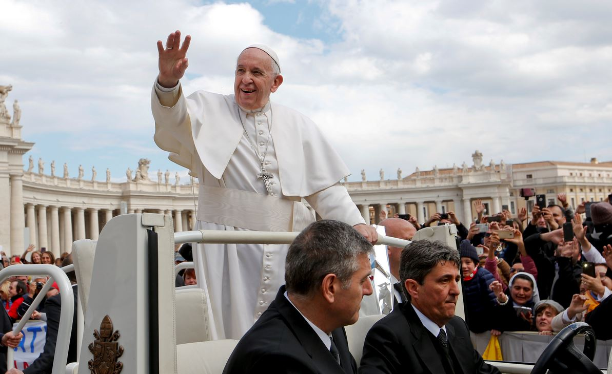 what is the pope's salary